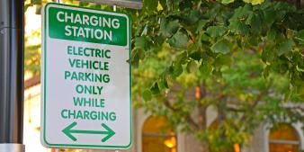 sign of parking for electric vehicles only